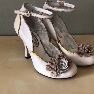 Poetic Licence Heels with flowers size 38